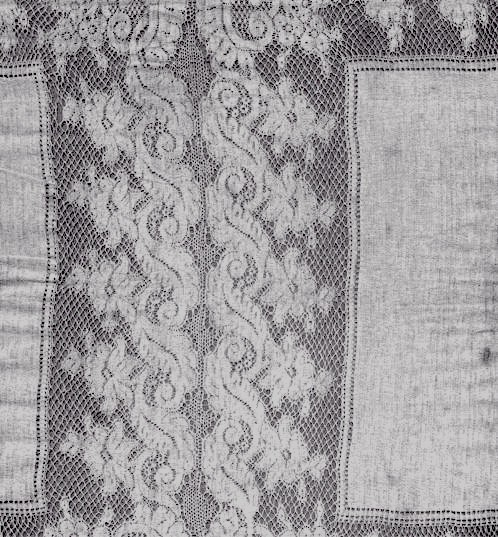 Earliest lace